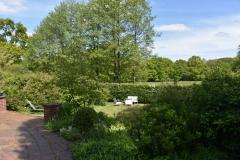 Garten-und-Blick-ins-Landschaftsschutzgebiet